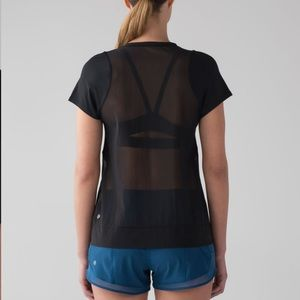 Lululemon Mind Over Miles short sleeve - size 8